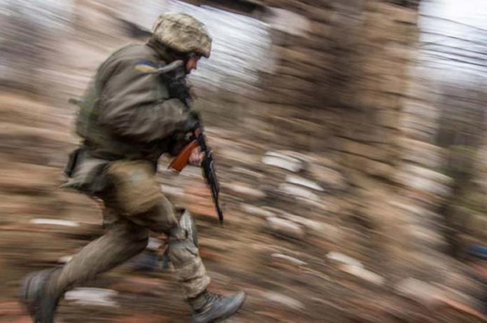 український солдат, армія, війна. AdverMAN